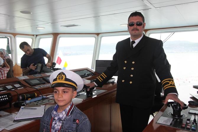 Çocuklar bayramlarını denizde kutladı galerisi resim 1