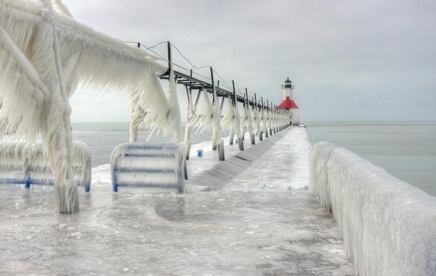 Norveç'te denizdeki balıklar dondu galerisi resim 6