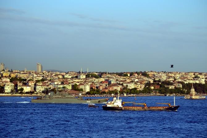 Rus Donanması'na ait iki gemi Çanakkale Boğazı'ndan geçti galerisi resim 18