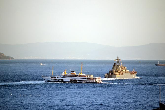 Rus Donanması'na ait iki gemi Çanakkale Boğazı'ndan geçti galerisi resim 2