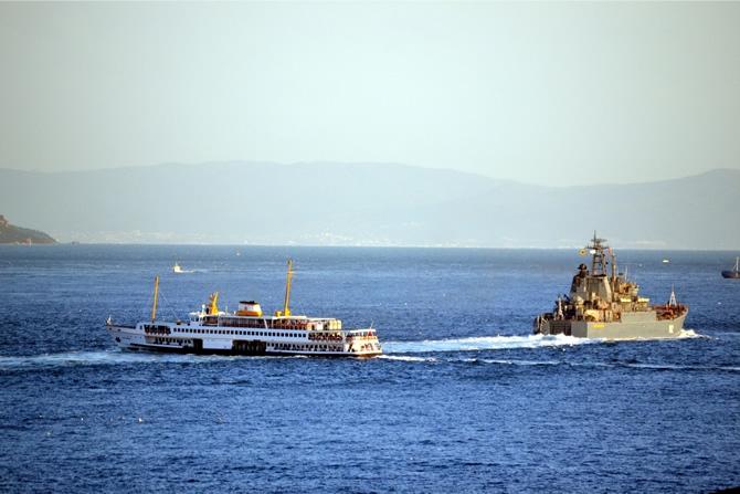 Rus Donanması'na ait iki gemi Çanakkale Boğazı'ndan geçti galerisi resim 3