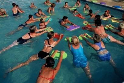 Suyun içinde yapılacak 10 egzersiz galerisi resim 4