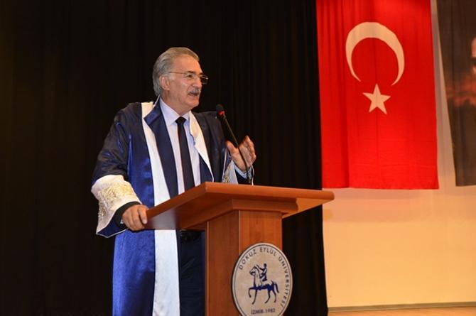 Dokuz Eylül Üniversitesi Denizcilik Fakültesi mezuniyet töreni yapıldı galerisi resim 1