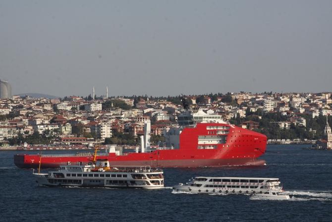 Platform destek gemisi İstanbul Boğazı'ndan geçti galerisi resim 1