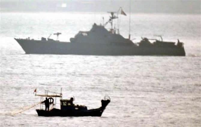 Tacizci Yunan botuna Türk denizaltısı engel oldu galerisi resim 3