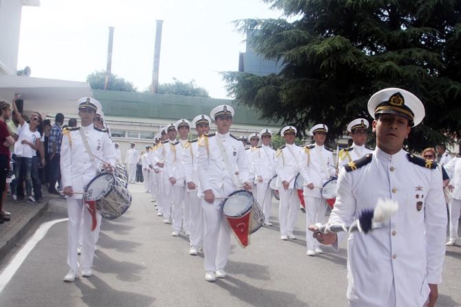 İTÜ Denizcilik Fakültesi 2015 yılı mezunlarını verdi galerisi resim 1