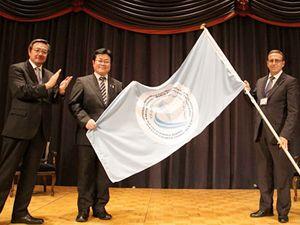Özkan Poyraz bayrağı devraldı