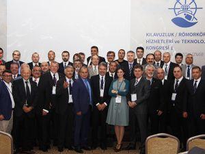 Kılavuzluk ve römorkörcülük hizmetleri İzmir'de konuşuldu