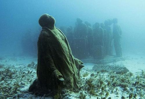 Denizin dibinde ürkütücü manzara galerisi resim 3