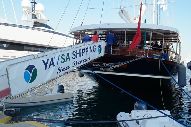 YASA Holding'in Geleneksel Posidonia Resepsiyonu'na denizciler galerisi resim 1