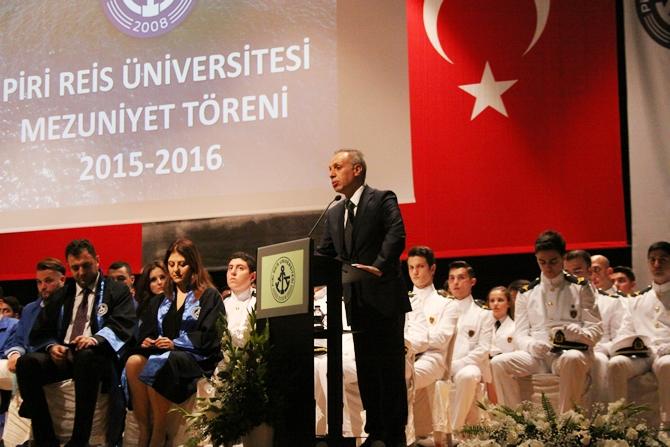 Piri Reis Üniversitesi'nde 244 öğrenci mezuniyet heyecanı yaşadı galerisi resim 10