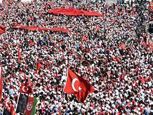 Yenikapı'dan tüm dünyaya 'Türkiye tek yürek' mesajı