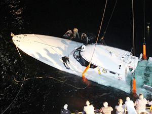 Alabora olan SGK botu Esev Kardeşler tarafından kurtarıldı