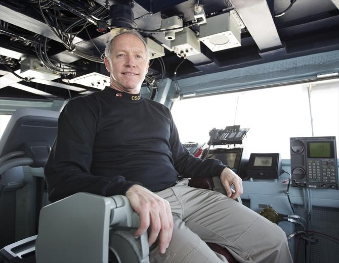 Uçak gemisi USS George H.W. Bush kapılarını AA ekibine açtı galerisi resim 1