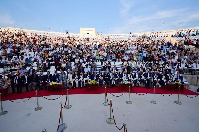 DEÜ Denizcilik fakültesi, 244 mezun verdi galerisi resim 1