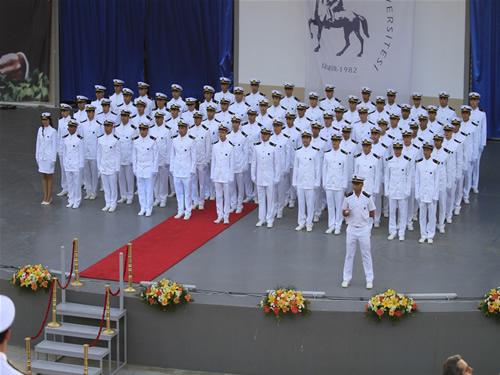 DEÜ Denizcilik Fakültesi'nde mezuniyet sevinci galerisi resim 17