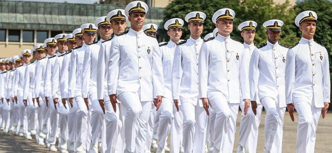 Deniz Harp Okulu öğrencilerinin açık deniz eğitimleri başladı