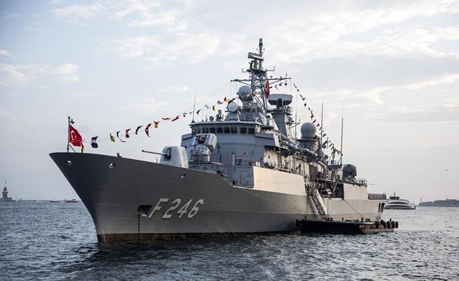 Türk savaş gemileri, vatandaşların ziyaretine açıldı galerisi resim 1