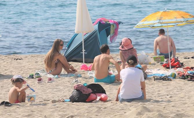 Alanya'da tatilciler plajları doldurdu galerisi resim 14