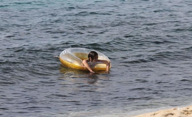 Alanya'da tatilciler plajları doldurdu galerisi resim 9