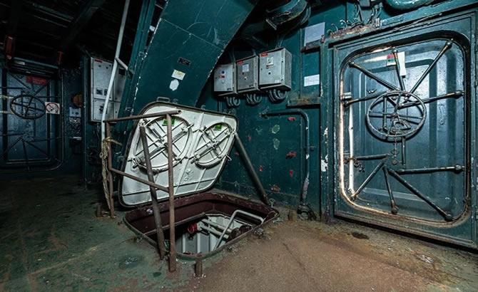 Askeri gemi mezarlığındaki terk edilmiş gemilerin etkileyici görüntüleri galerisi resim 1