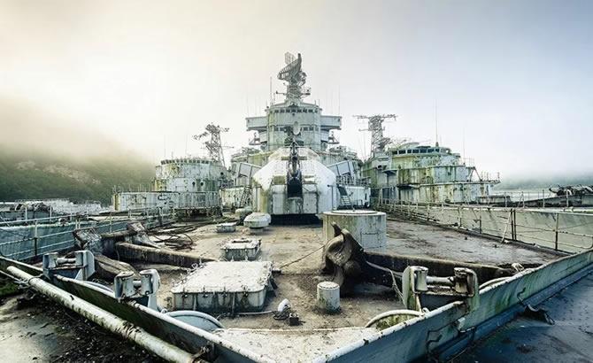 Askeri gemi mezarlığındaki terk edilmiş gemilerin etkileyici görüntüleri galerisi resim 3