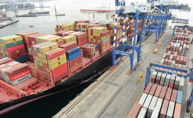 Kazazede gemi MSC TINA, böyle görüntülendi galerisi resim 2