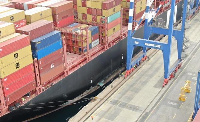 Kazazede gemi MSC TINA, böyle görüntülendi galerisi resim 3