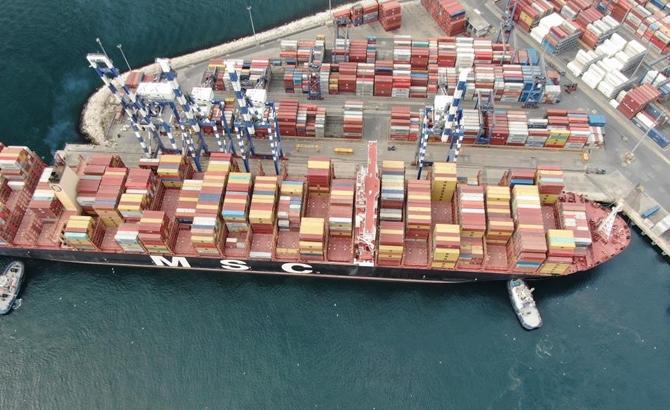 Kazazede gemi MSC TINA, böyle görüntülendi galerisi resim 6