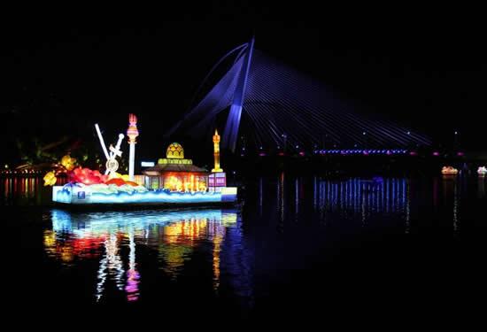 Malezya'da tekneler çiçek açtı galerisi resim 4