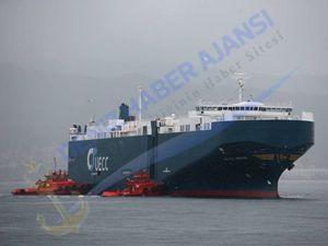 İspanya'daki gemi kazasında üç kişi öldü