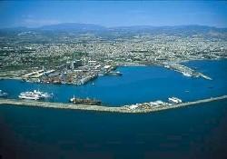 Türk limanlarını Rumlar kullanamaz