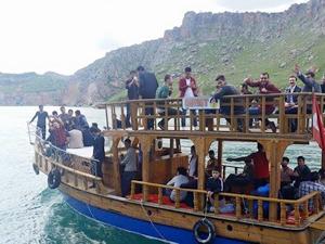 Şanlıurfa Çatak'ta tekne seferleri başlıyor