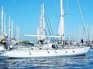 İkinci kez dünya turunu tamamlayan yelkenli tekne, Teos Marina'ya yanaştı