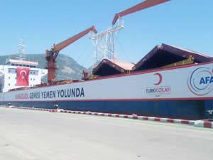 """""""Umudu Ol"""" gemisi Yemen için gıda sevkiyatına başladı"""