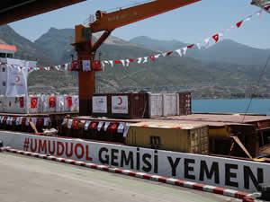 Kızılay'ın insani yardım gemisi Blue Fury, Yemen'e uğurlandı