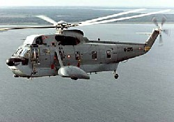 Baltık Denizi'ne helikopter düştü