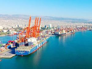 Mersin Limanı'nın yüzde 40'lık hissesi devredildi