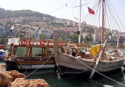 Batık geminin benzeri Antalya'da