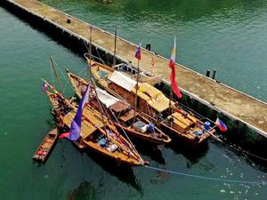 Güney Çin Denizi'nde antik tekneler tarihi yolculuğa hazırlanıyor