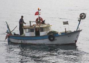 Küçük tekneli balıkçılar sezonu kapatıyor