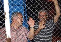 Yanan gemideki 53 kişi Trabzon'da