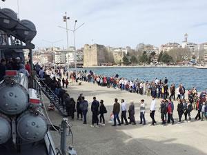 Türk savaş gemileri, Karadeniz'de yoğun ilgi gördü