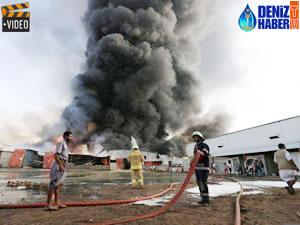 Yemen'in Hodeidah Limanı'nda yangın çıktı