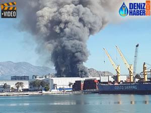 Antalya Serbest Bölge'de bir tekne imalathanesinde yangın çıktı!
