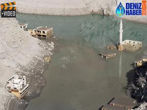 Deriner Barajı'nda sular çekilince Narlık köyü ortaya çıktı