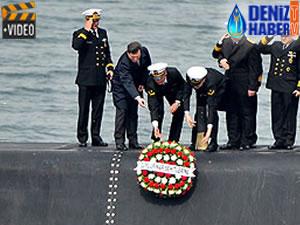 'TCG Dumlupınar' denizaltısı şehitleri için anma töreni düzenlendi