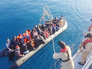 Ege Denizi'nde 203 kaçak göçmen yakalandı