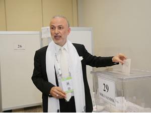 İMEAK DTO Yönetim Kurulu Başkanı Metin Kalkavan oyunu kullandı