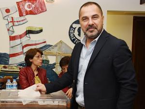 İMEAK DTO İzmir Şubesi Meclis Başkanlık Divanı seçimi yapıldı